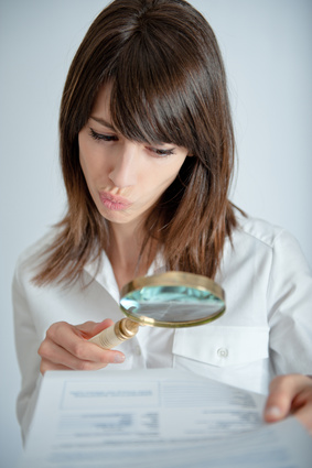 Woman withmicroscope© Franck Boston - Fotolia.com