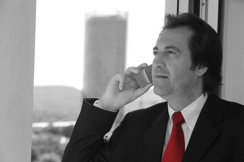 Businessman-4782650_1920